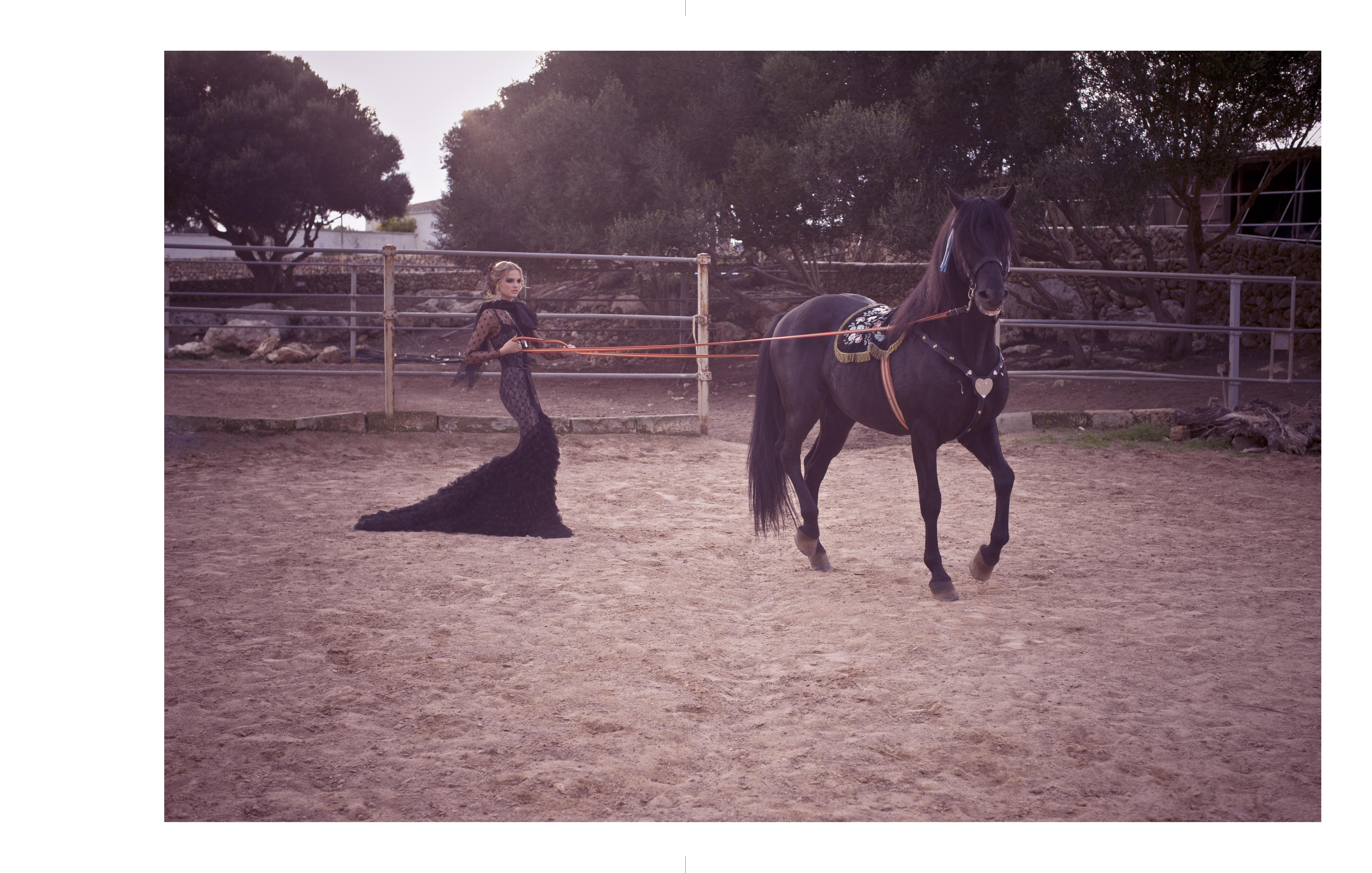 girl_leading_horse